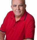 Miguel-Torres--de-vermelho.